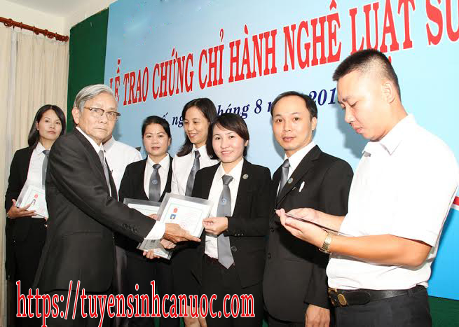 le-trao-chung-chi-hanh-nghe-luat-su